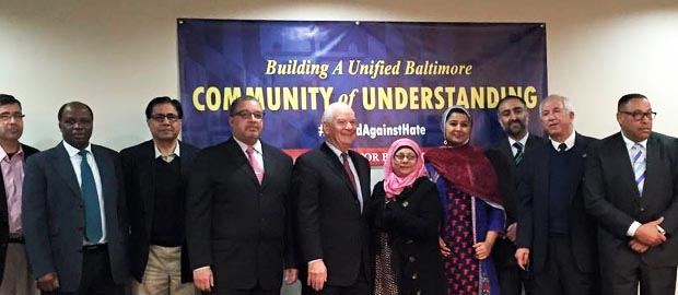 U.S. Senator Ben Cardin visits Ahmadiyya Mosque for a meeting with Muslim community