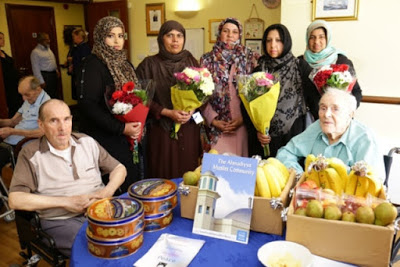 Ahmadiyya Muslim community UK shows respect through gifts to old people in Dagenham