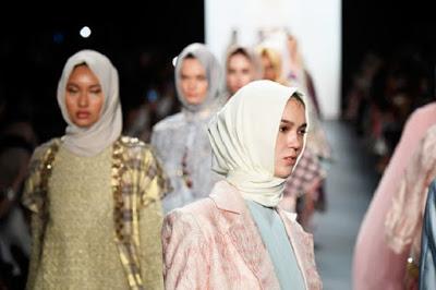 USA: New York Fashion Week's First All-Hijab Show