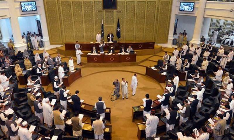 KP govt bans interest on private loans