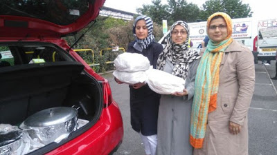 UK: Ahmadiyya Muslim women provide Home-cooked food for homeless people in Newcastle