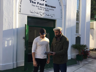 UK: Olympic gymnast Louis Smith finds forgiveness at Fazl Mosque after offensive video