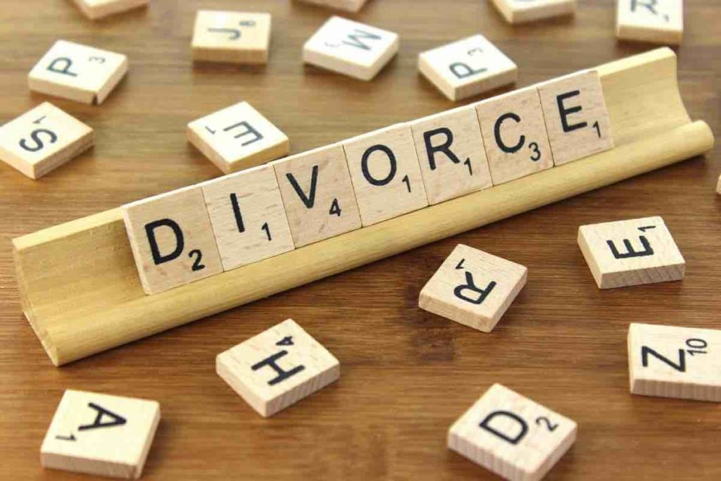 woman demands divorce